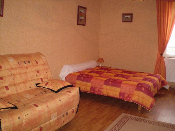La chambre orange du gîte rural