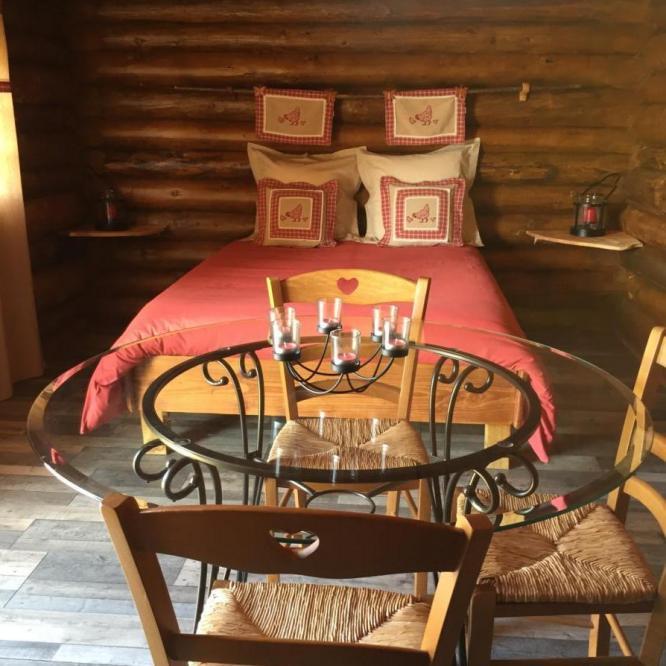 Le lit double de la Cabane de Trappeur