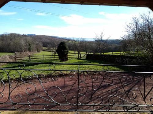 Vue depuis la terrasse du gite rural en Bourgogne